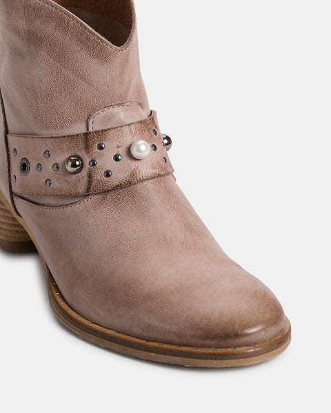 Zoe Kratmann boots and shoes - free shipping in Australia