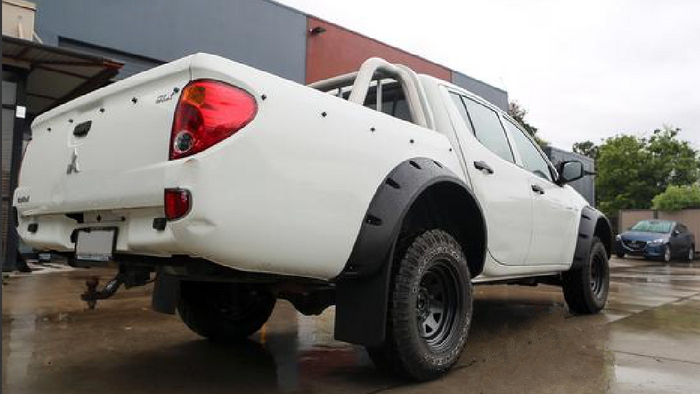 JUNGLE FENDER FLARES TO SUIT MITSUBISHI TRITON ML MN SERIES 2006-2015 6PC SMOOTH FINISH
