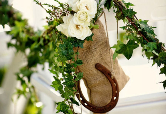 Good Luck! 11 Wedding Traditions for Good Fortune