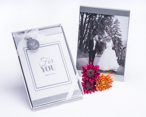 """Cherished Moments"" Photo Frame Favor - CLOSEOUT PRICE! - InCasaGifts"