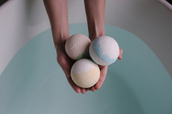 Crafting Project Ideas Using Mica Pigment Powder bath bombs