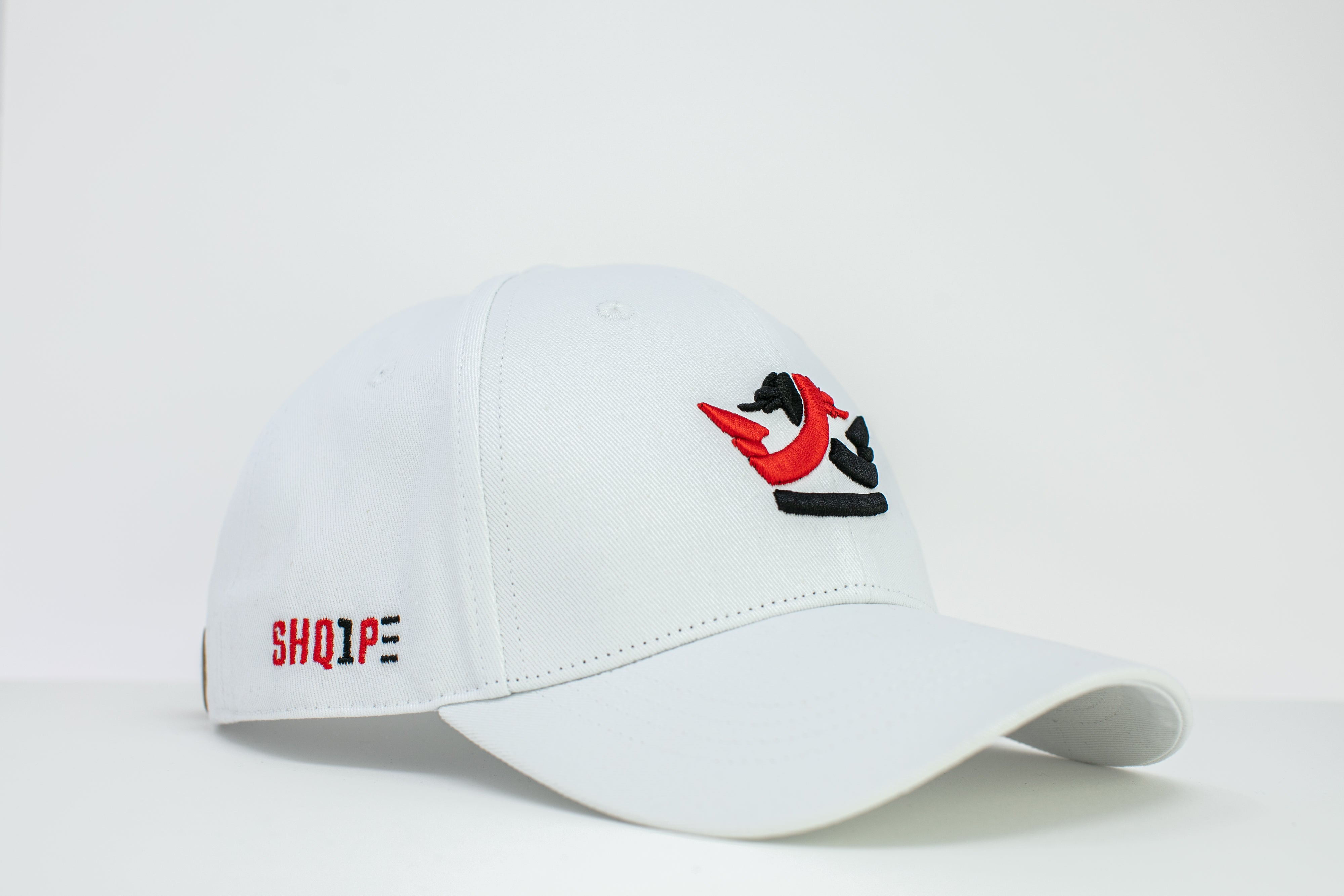 1st Edition Shq1pe Baseball Cap White/Red & Black