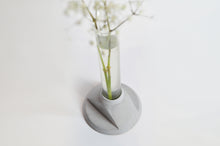 Load image into Gallery viewer, LAB - concrete vase