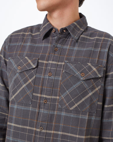 Midweight LS Button up with Dual Front Pockets in Hemp and Organic Cotton Blend Fabric, tentree, $78