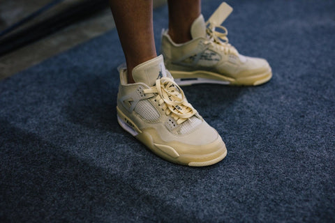 Jordan-Offwhite-4-shoe-release-match-the-kicks