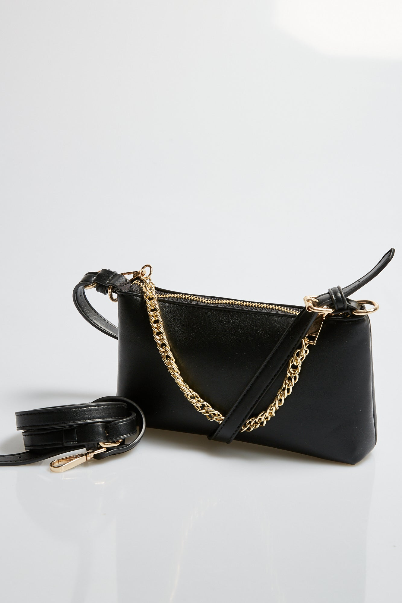 Chain Baguette Bag Black
