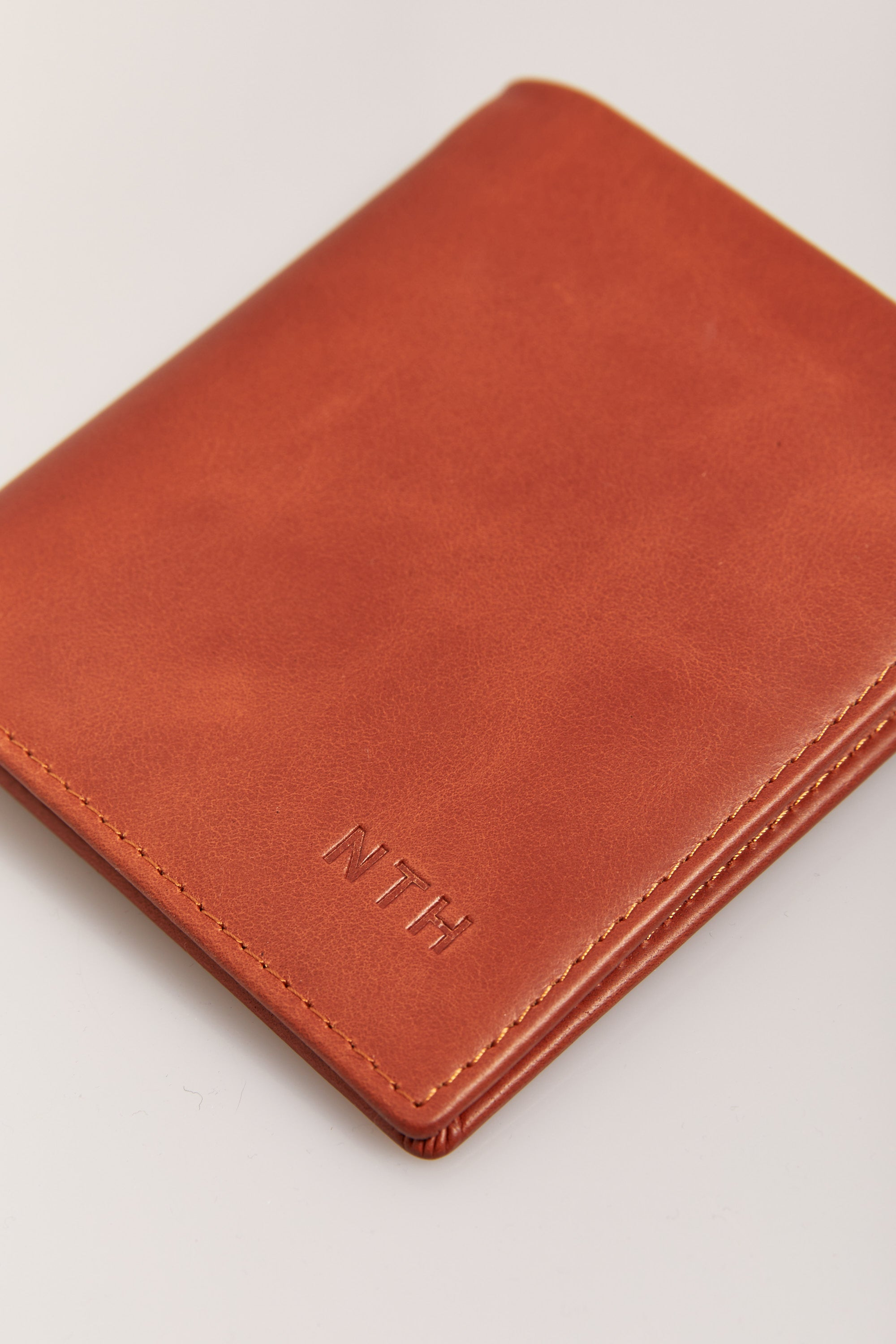 Austin Leather Fold Wallet Tan