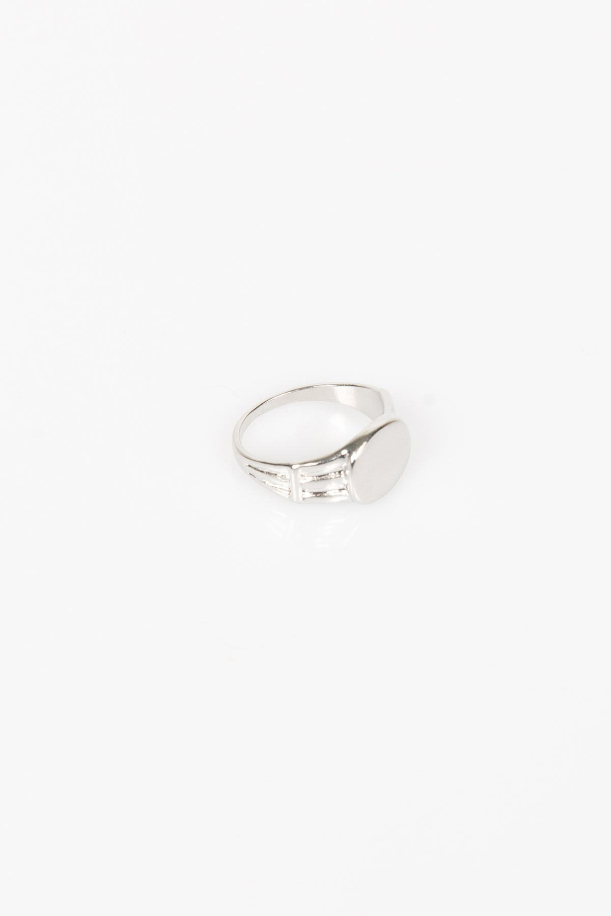 Nth Oval Ring Silver