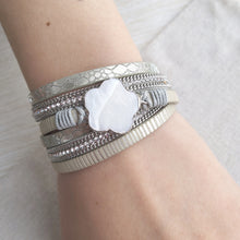 Load image into Gallery viewer, Frozen Flower Bracelet