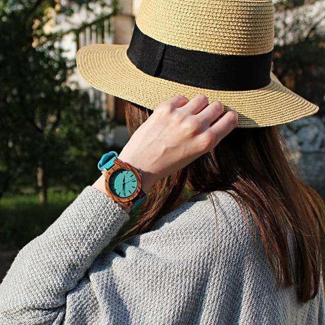 Women's Casual Bamboo Watch with Turqouis Leather Strap