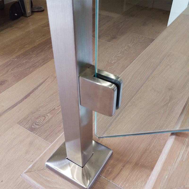Glass Clamp with Flat Plate for Round Newel Post