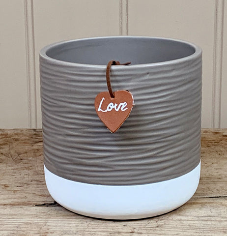Ceramic Ridge Pot With Tag, 12cm