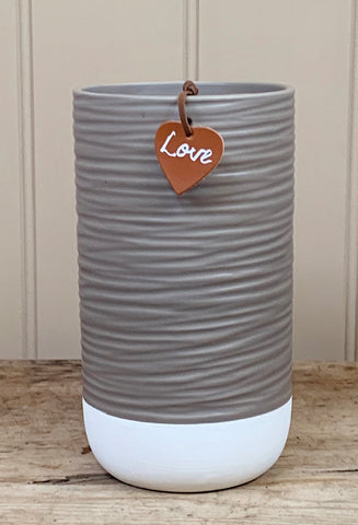 Ceramic Ridge Pot With Tag, 18cm