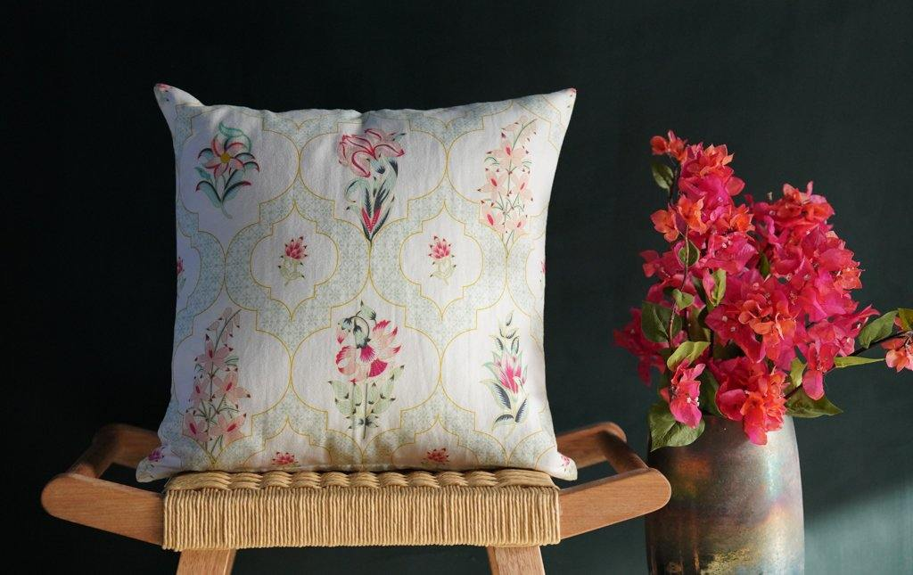 Les Indes Suman Cushion Cover - Tikauo