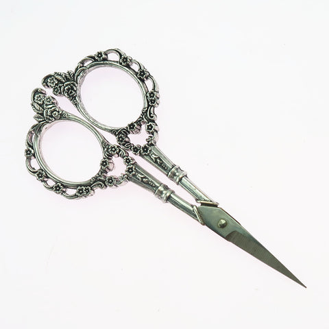 1 Piece Plum Blossom Design Vintage Sewing Scissor for Dressmaker Silver