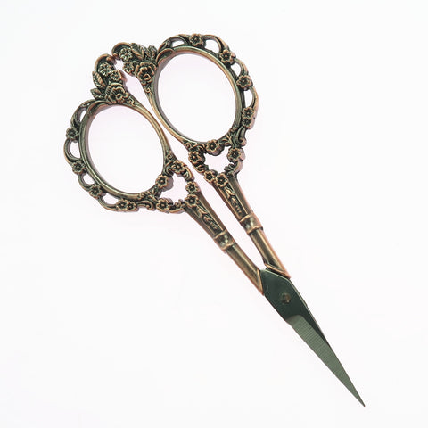 1 Piece Plum Blossom Design Vintage Sewing Scissor for Dressmaker Red-Bronze