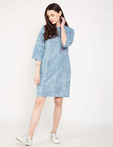 Lyla Woman box sleeve dress