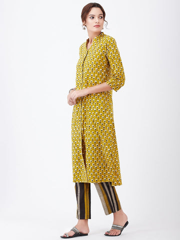 Image of LYLA WOMAN BLOCK PRINTED KURTA PANT SET