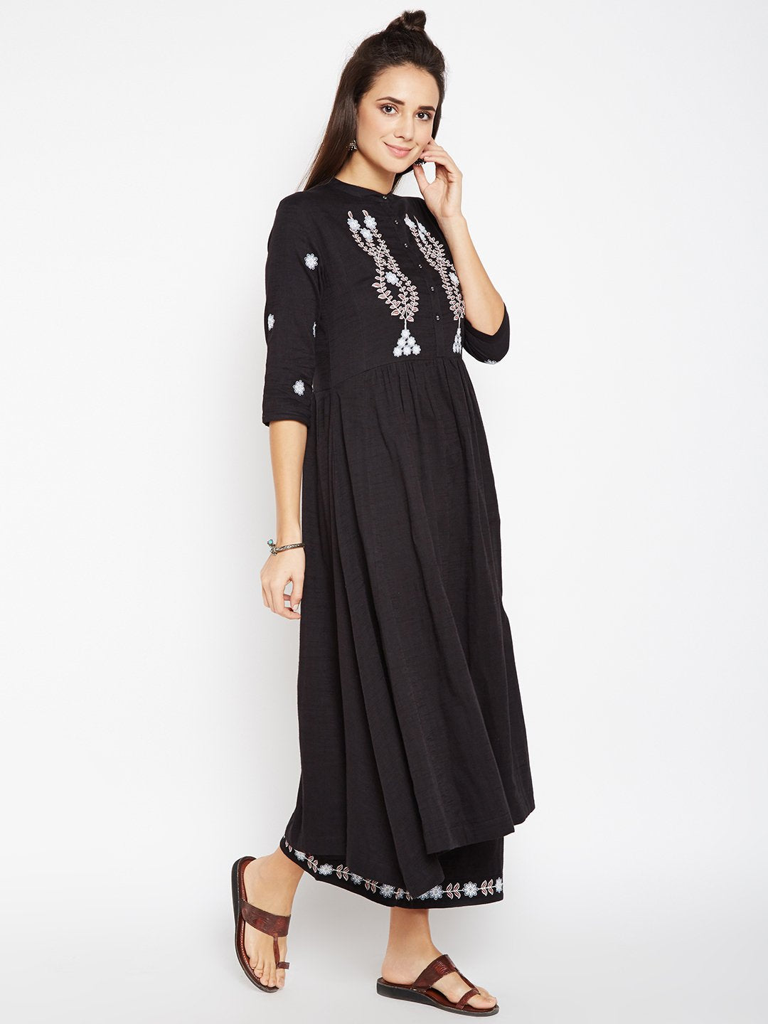 Lyla Woman Yoke Embroidered Tunic Style Long Kurta