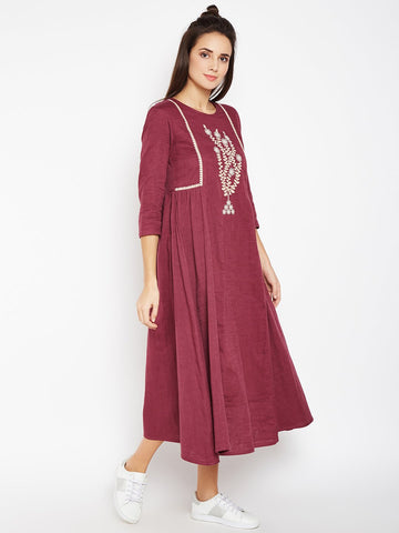 Image of Lyla Woman Kurta with Chest Embroidery