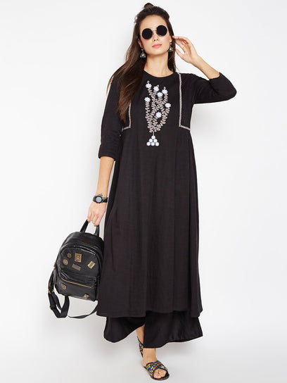Lyla Woman Kurta with Chest Embroidery