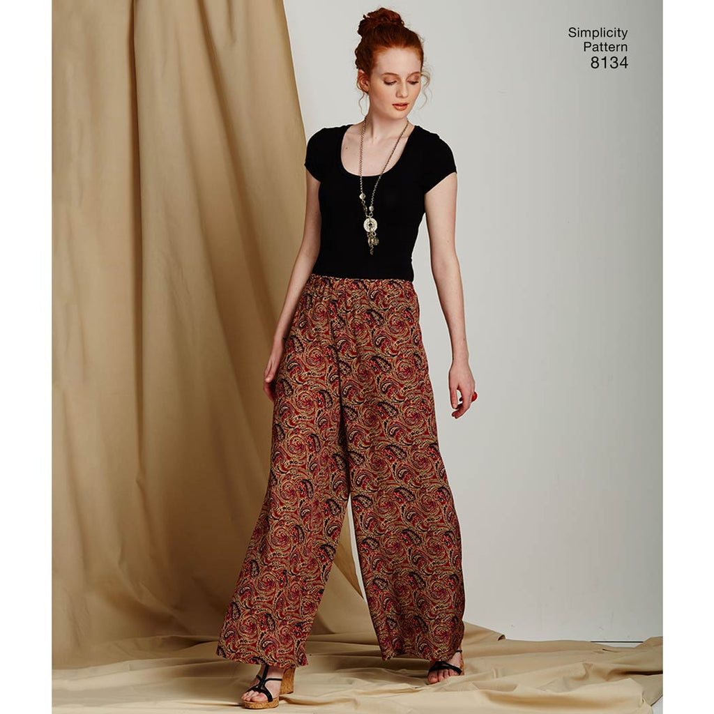 Simplicity Pattern 8134 - Women's Easy-to-Sew Trousers and Shorts
