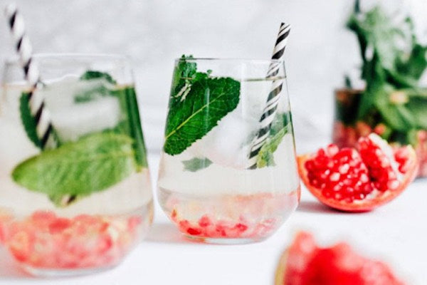 Healthy Holiday Cheer: Festive Infused Water Party Drinks