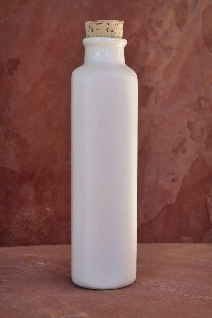 Earth-In Canteen Four Corners Ceramic Water Bottle 24 Oz - Bone White
