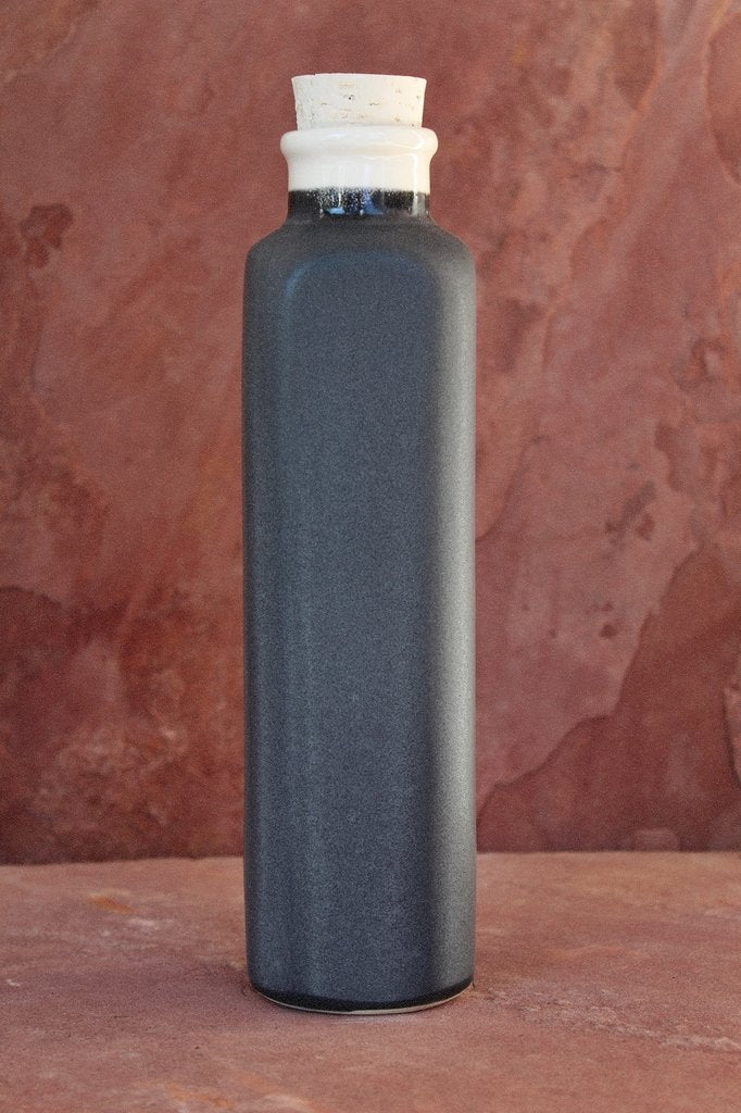 Earth-In Canteen Four Corners Ceramic Water Bottle 24 Oz - Black Rock Grey