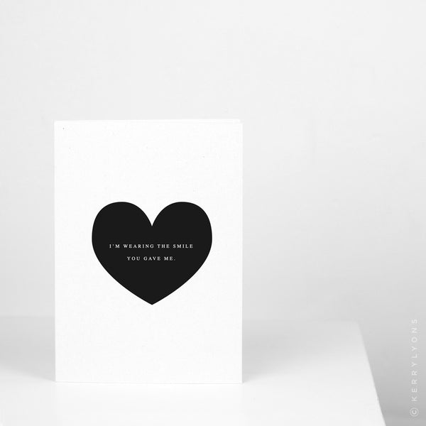 This minimalist greeting card is ideal to send to the love of your life on an anniversary or as a classy Valentine's Day card.