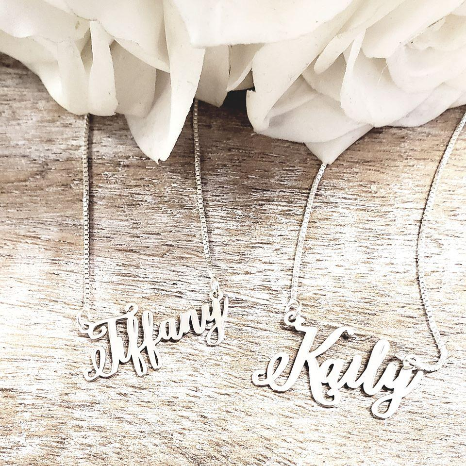 IS01 - Flourish Name Necklace