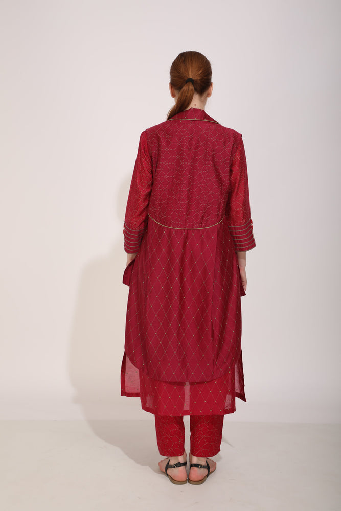 Beetroot Printed Tunic Paired With Back Detail Sleeveless Jacket