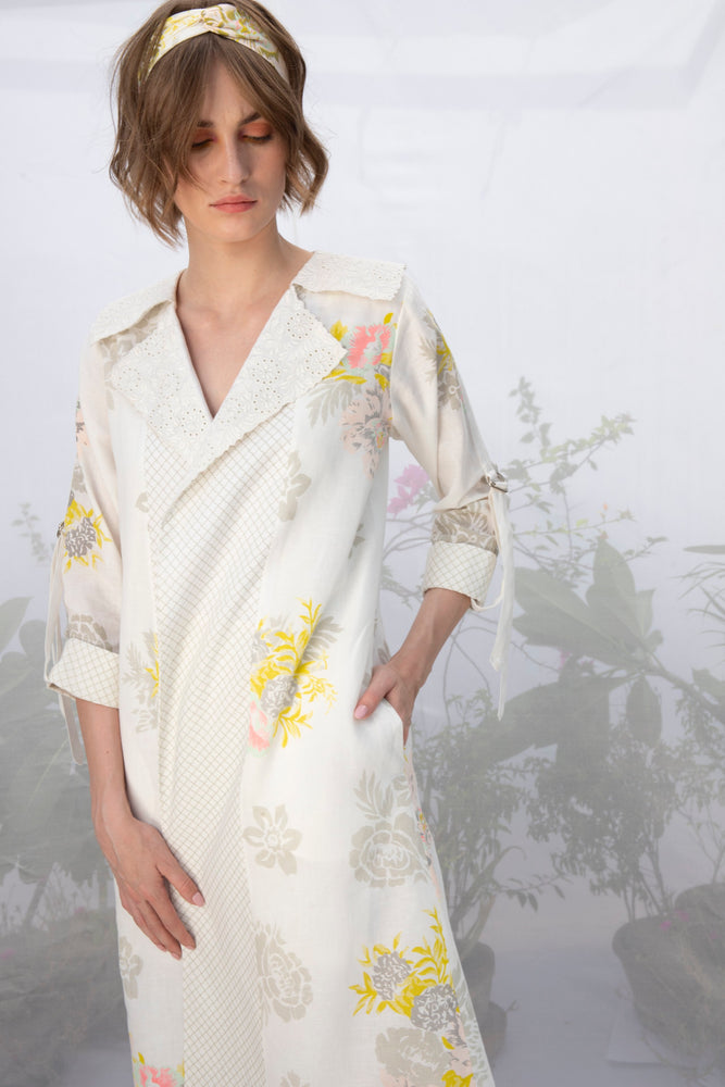 Ivory Embroidered Collar Roses Print Wrap Dress/Jacket