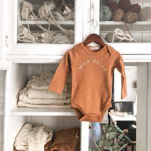 """Milk Belly"" Long-Sleeve Onesie (Caramelo)"