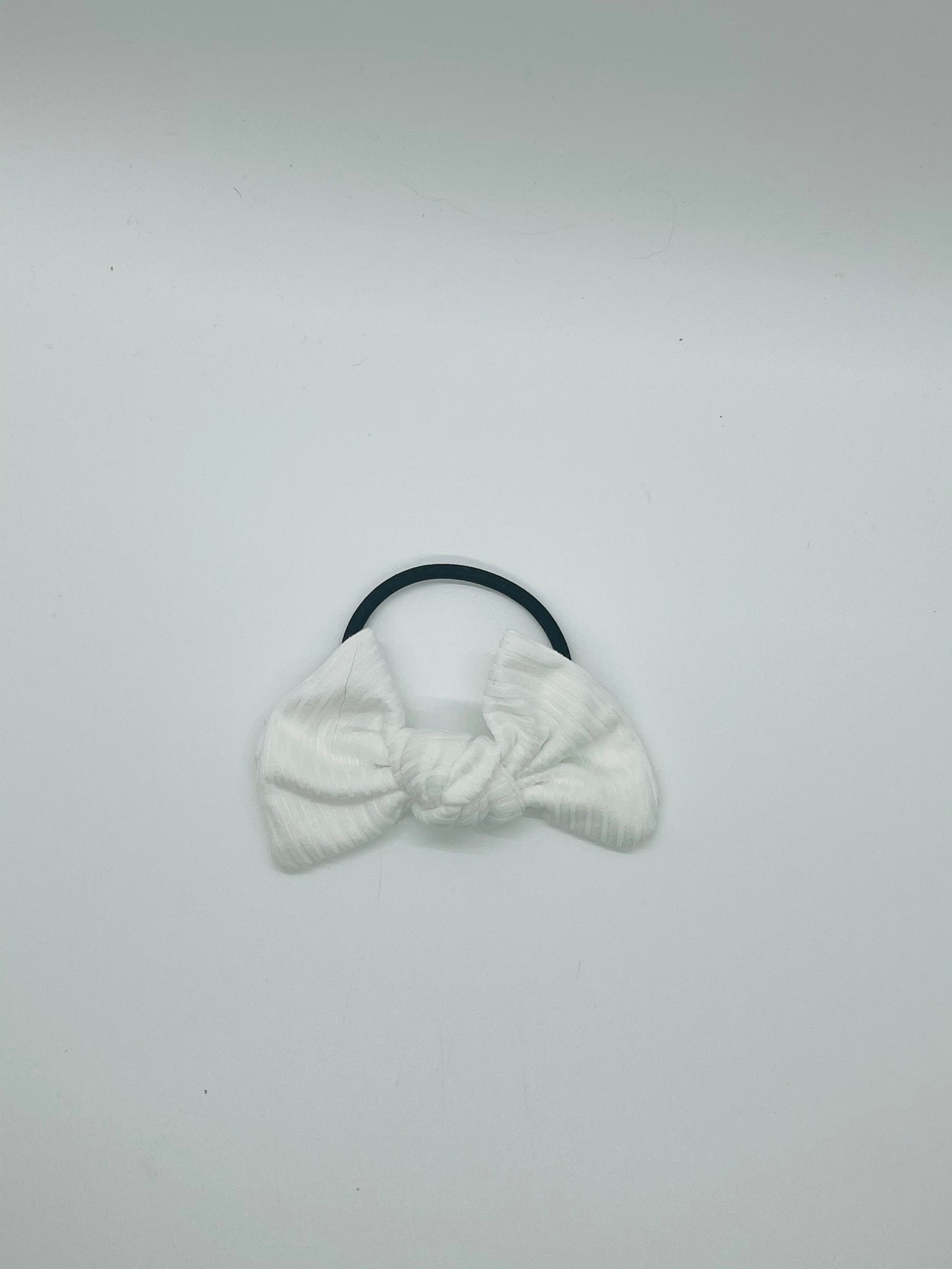 White Ribbed Kate Knot