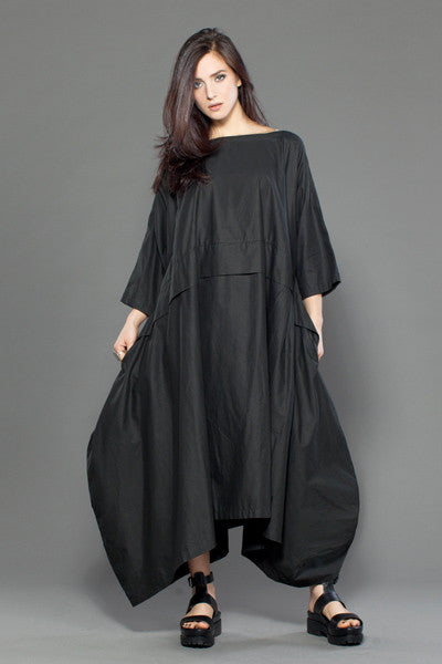 Ono Dress in Black Carnaby