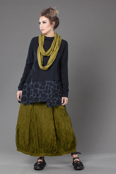 Shown w/ Circle Scarf and Fab Skirt
