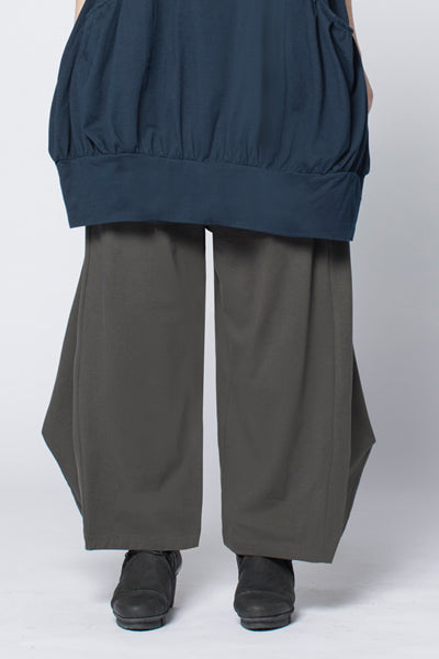Cascade Pant in Charcoal Tokyo