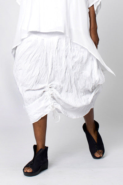 Amazing Skirt in White Carnaby