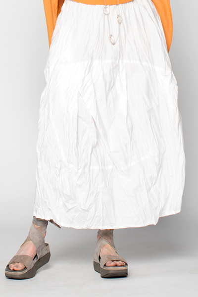 Uppsala Skirt in White Carnaby