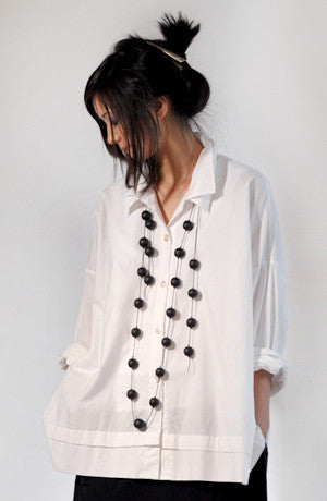 Classic Shirt in White Carnaby