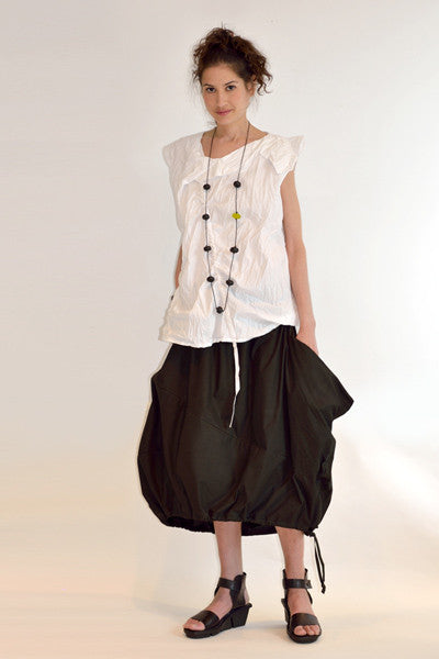 Shown w/ Facade Skirt