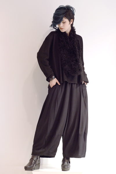 Shown w/ Alamo Pant and Art Point Circle Scarf