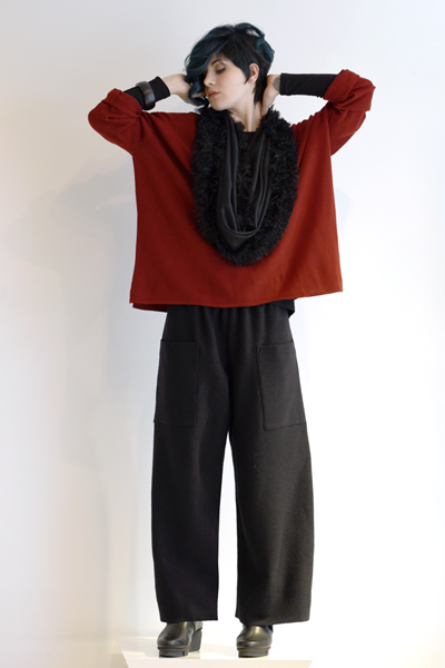 Shown w/ Mali Pant and Art Point Circle Scarf