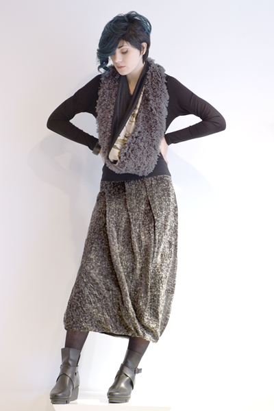 Shown w/ Paula Skirt and Art Point Botanical Circle Scarf
