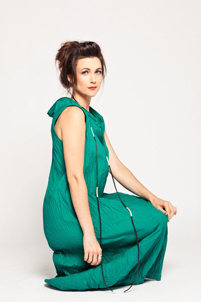 Verbena Dress in Emerald Carnaby
