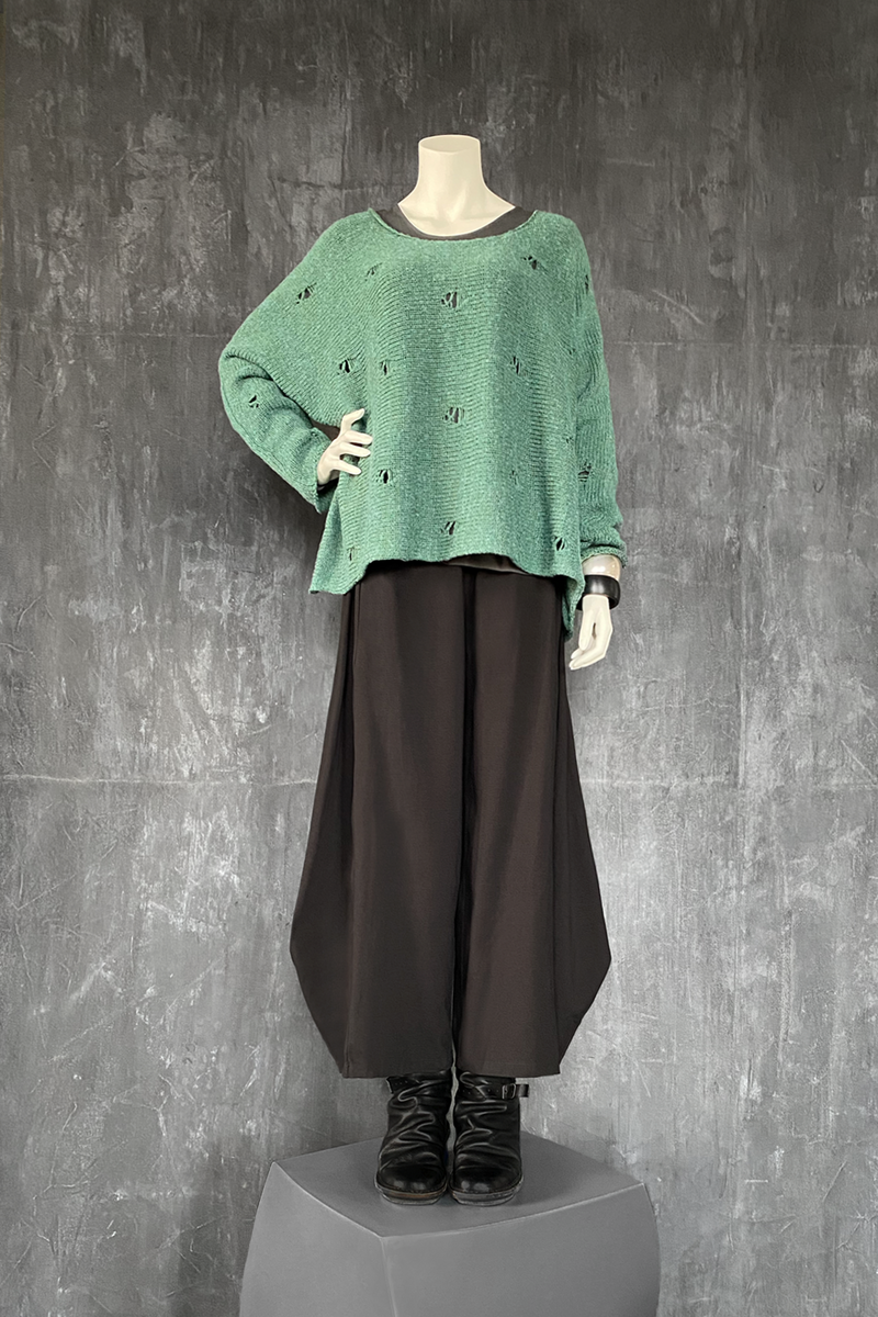 Shown w/ Vine Top and Cascade Pant