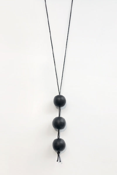 Vertical Three Necklace in Black Resin