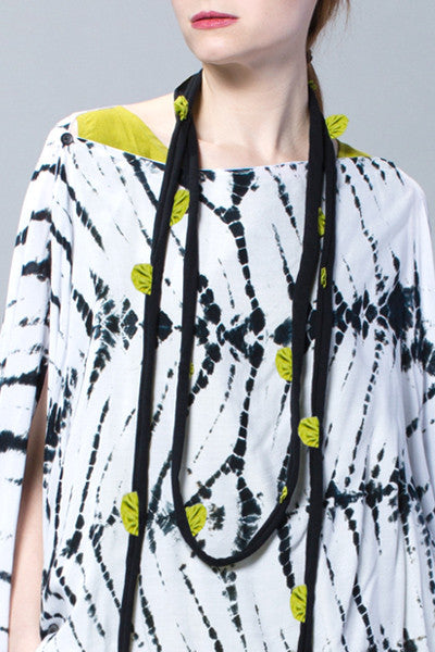 Flower Necklace in Lime Carnaby/Black Tokyo