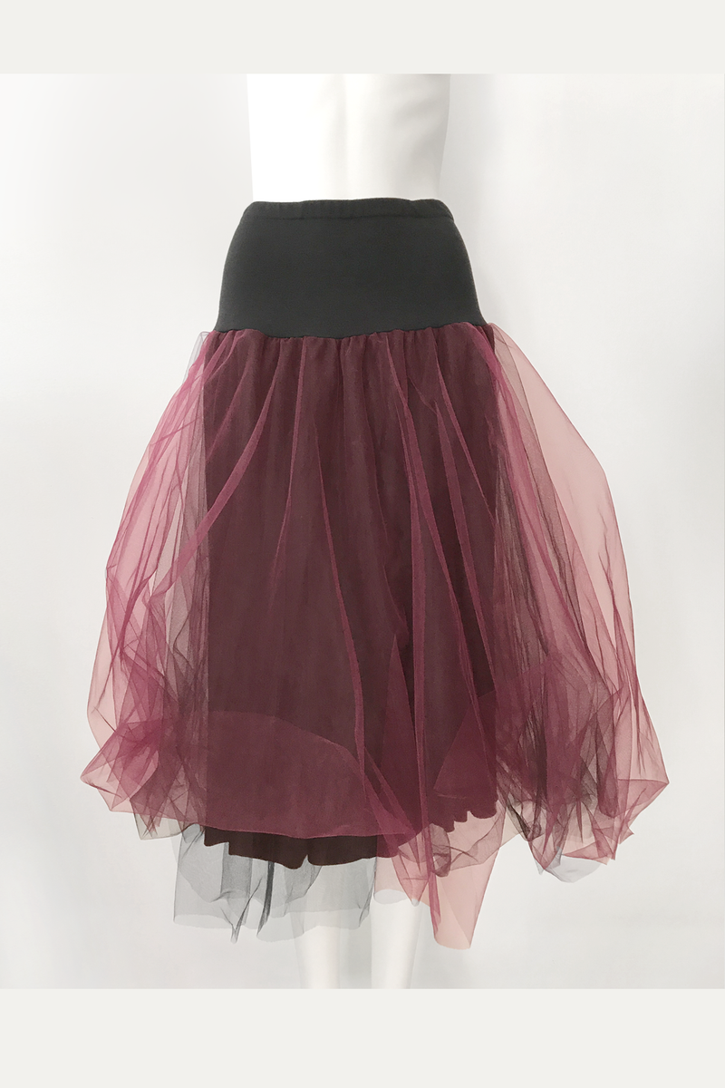 LUUKAA Lexa Mesh Skirt in Burgundy Mesh